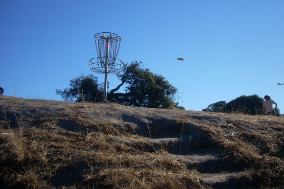 Two universal truths and 7.5 tips to help you improve your disc golf putting game